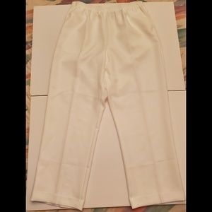 Alfred Dunner Women's Classic Pull-On Pants size16